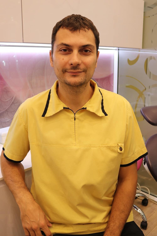 Д-р Костадин Николов